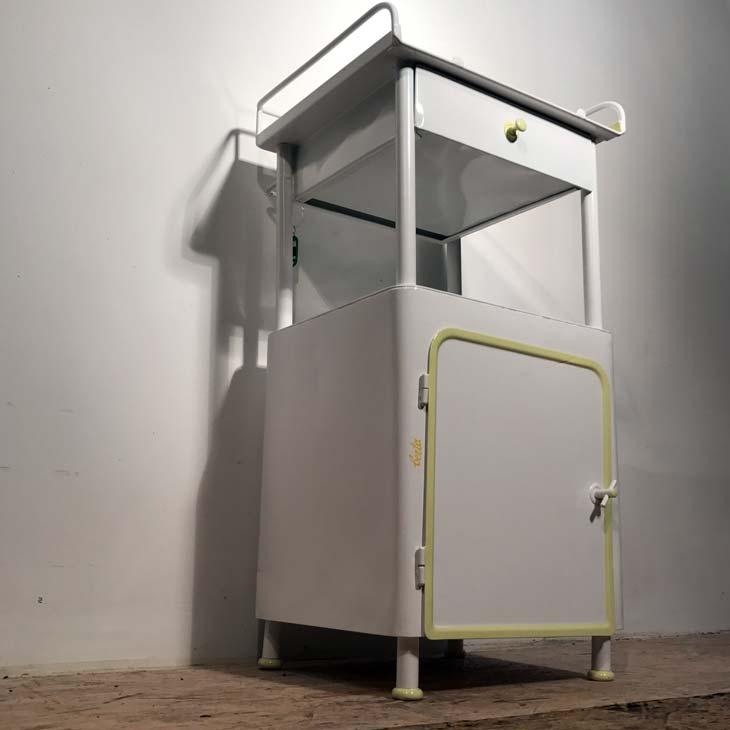 berta freches badezimmerm bel. Black Bedroom Furniture Sets. Home Design Ideas