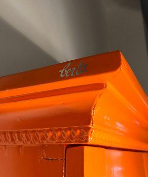 schrank-orange4